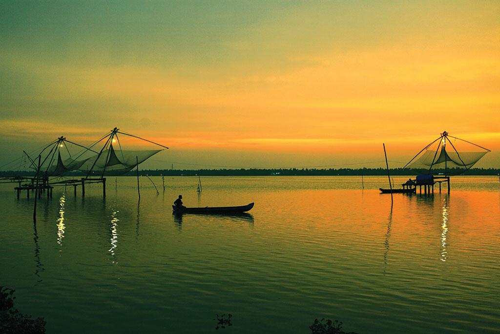 Thrissur-Munnar-Kumarakom 4 Nights / 5 Days